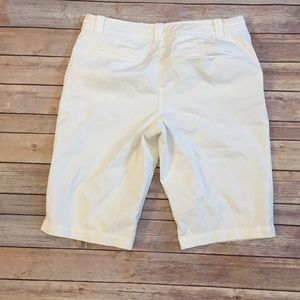 New York & Company white Bermuda shorts size 10